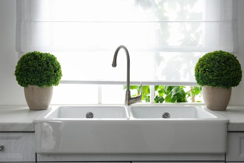 Do Blinds Look Good In Kitchen?